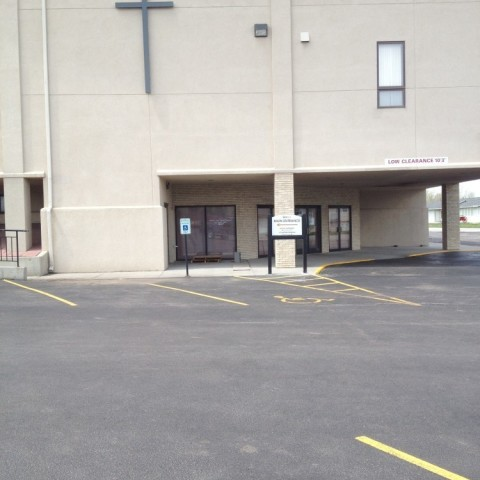 New Life Church – Parking Lot Directional Signs Distance