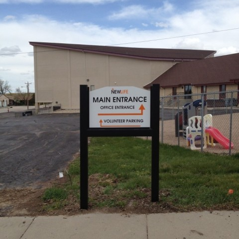 New Life Church – Directional Parking Lot Sign