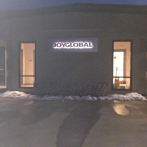Joy Global – Lit Main Entrance Building Sign