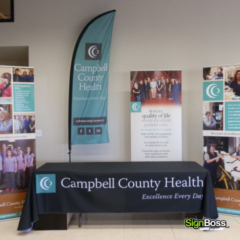 tradeshow banner and flag