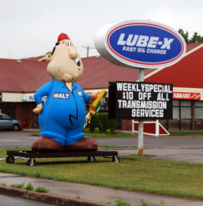 Lube-X_Oil_change_Sign_and_inflatable_person_3801